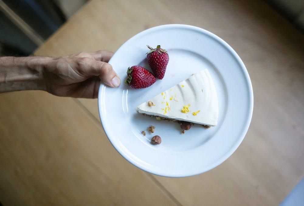 Raw lemon vanilla coconut cheesecakR