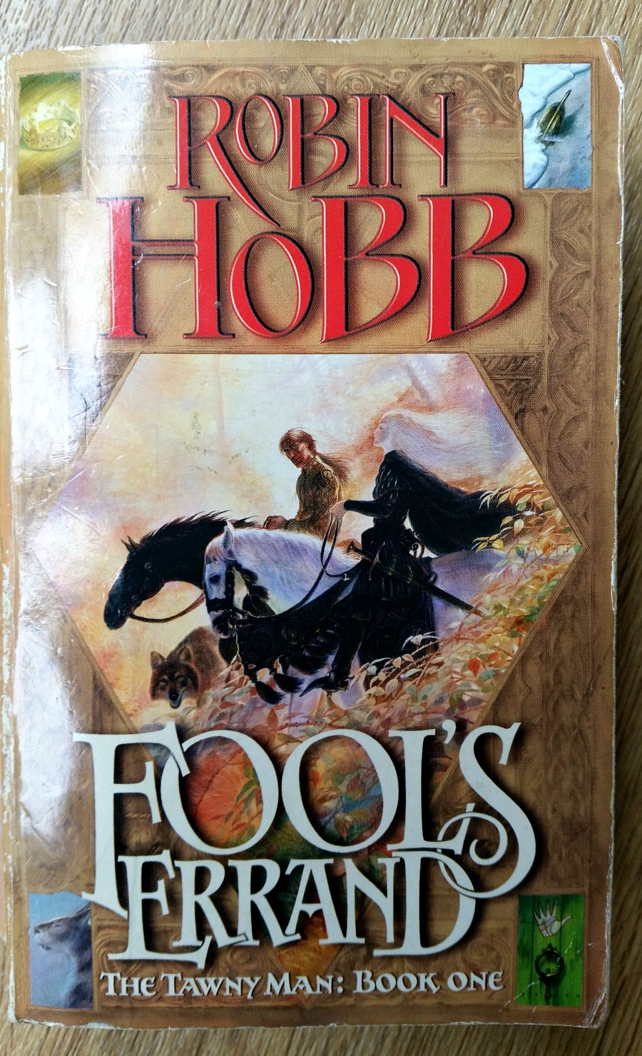 Fools Errand by Robin Hobb. First book in The Tawny Man Trilogy. Circle of Daydreams. www.circleofdaydreams.com