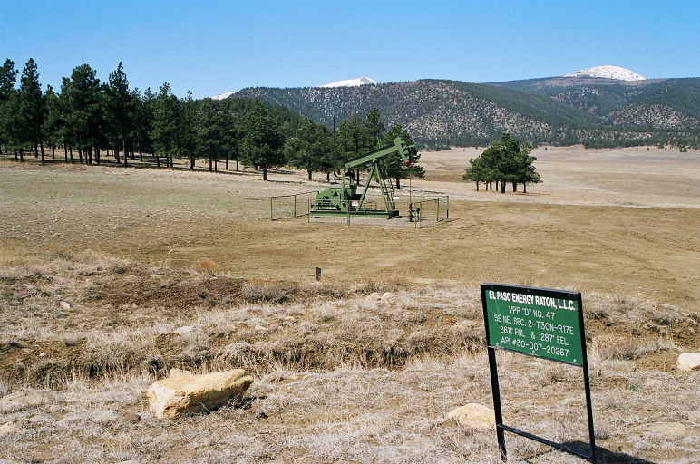 A coalbed methane well on Ted Turner's Vermejo Park Ranch, Colfax County, New Mexico.  Photo by Bobby Magill, 2005