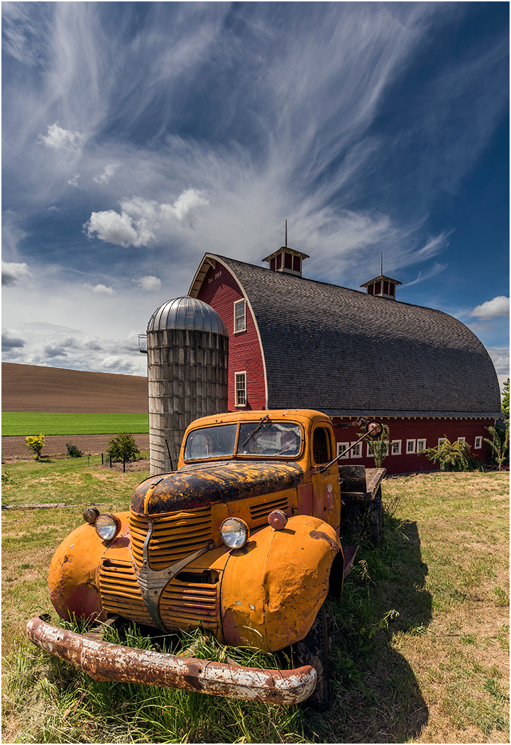 2_Palouse Barn and Truck_Ric Harding.jpg