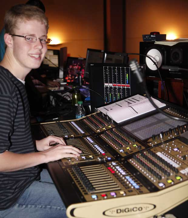 tech-booth-jonathan.jpg