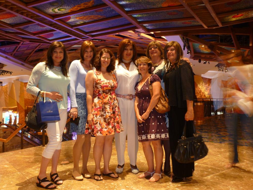 L to R: Kathy, Katie, Scarlett, Jayne, Cindy, Dea, Chrissie