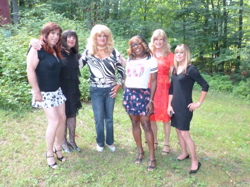 Before heading out on our adventure. L to R: Cheri, Chrissie, Jayne, Chardonnay, Katie, and Jill.