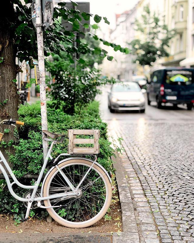 München bei Regen ☔️ #iphonedaily #filmborn #munichcity