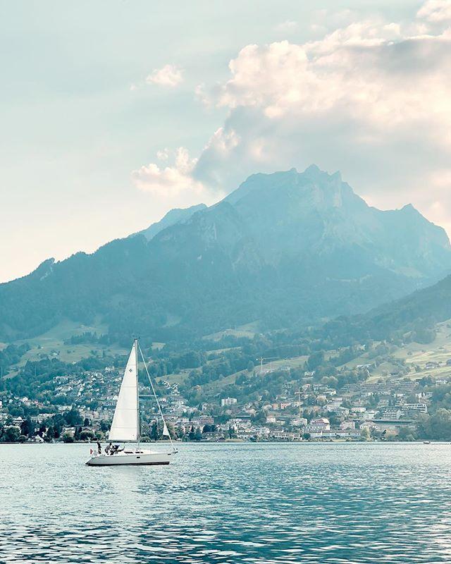 Lake Lucerne ⛰ . . . . #iphononly #filmborn #lookslikefilm #lakelucerne #vierwaldstättersee #pilatus #mountpilatus #lucerne #switzerland #myswitzerland #summervibes