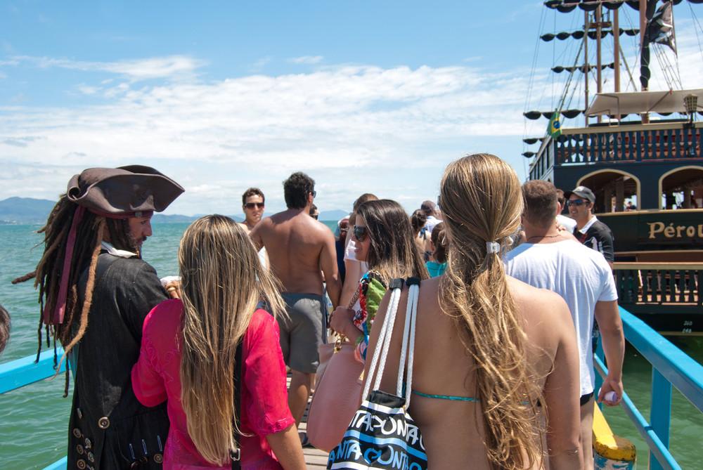 Canasvieiras é sua melhor opção para o Carnaval. Venha, aproveite a praia e os diversos passeios que temos a oferecer!!