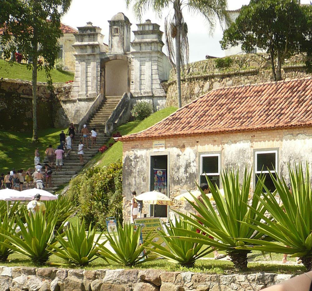 Visita ao Forte de Santa Cruz na Ilha de Anhatomirim.