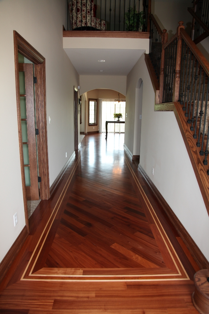 African Danta Hardwood Flooring with Maple Boarder