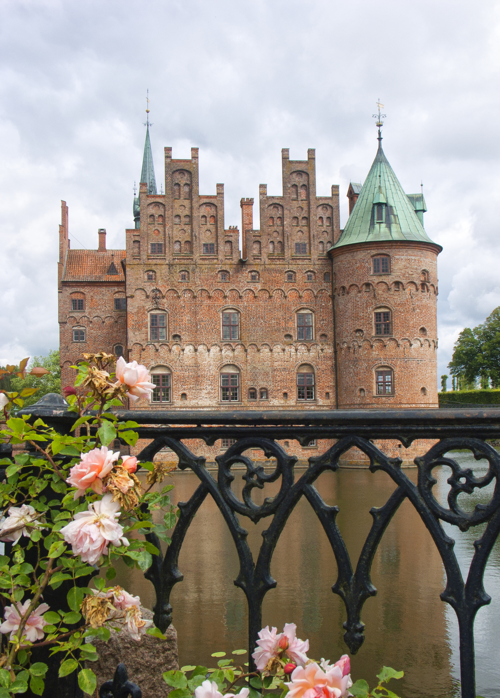 Where are Juliet Read about Egeskov Castle Comments