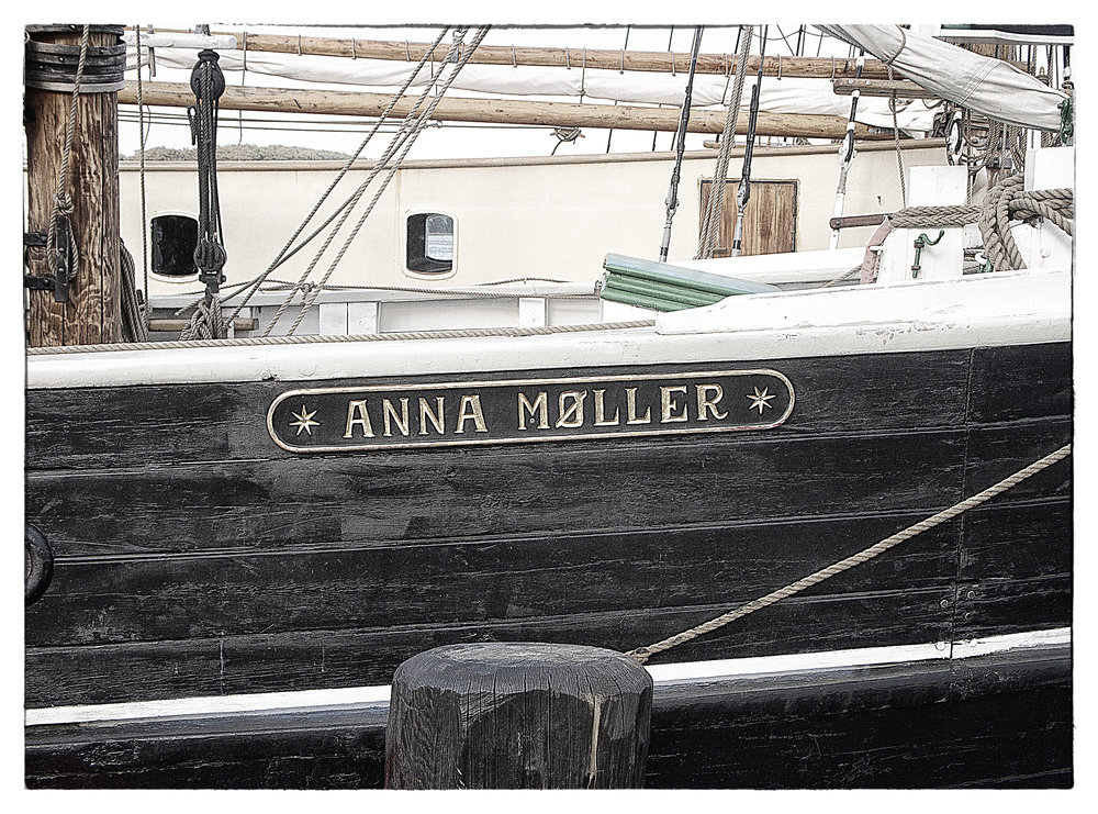 Anna Møller Comments
