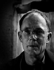 220px-William_Gibson_60th_birthday_portrait.jpg