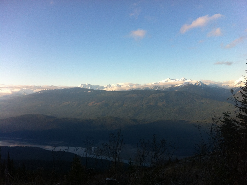 Monashees sitting pretty across the valley