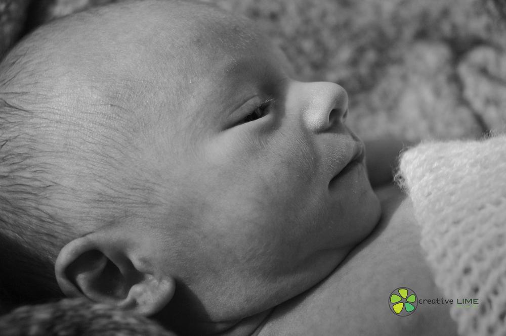 Baby Oliver-0033.jpg
