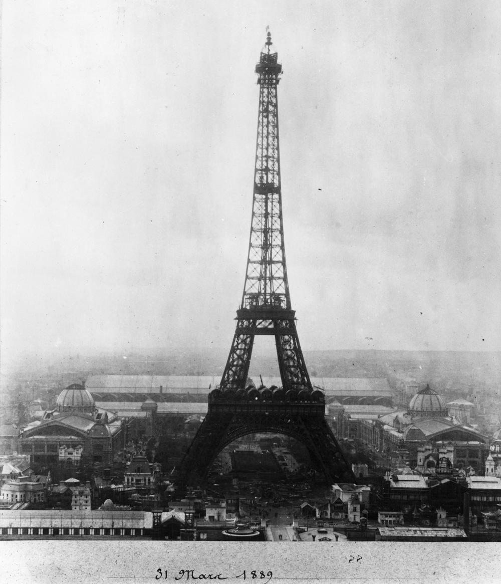Eiffelin torni avajaispäivänään 31.3.1889 otetussa kuvassa. Kuva: NBC News