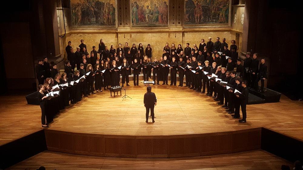 steph chamber not singing tho.jpg