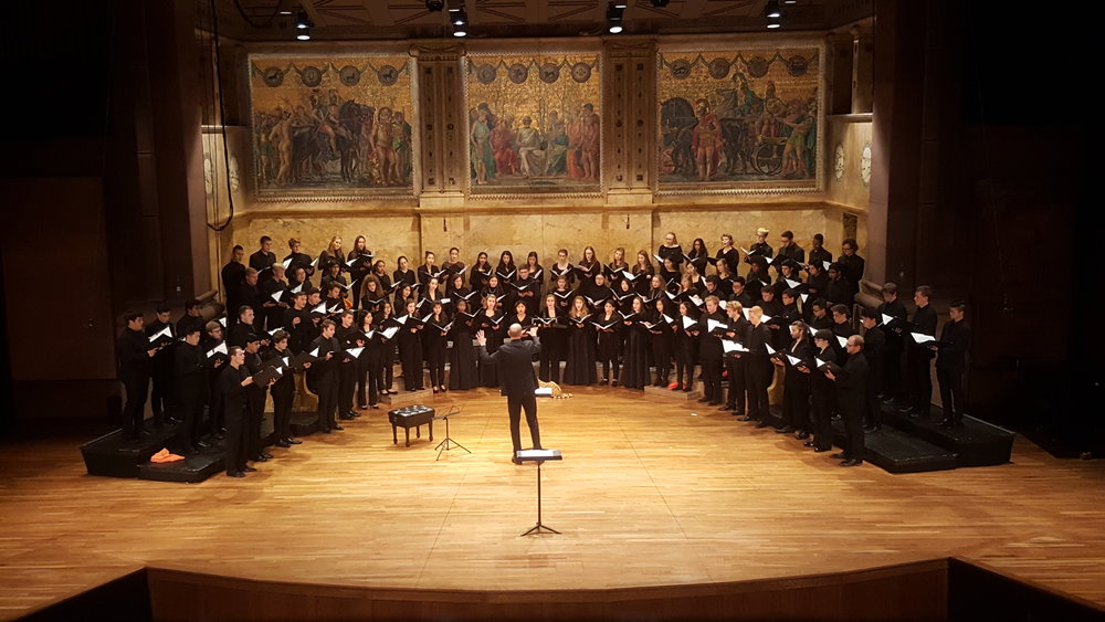 glee harvard concert 1.jpg