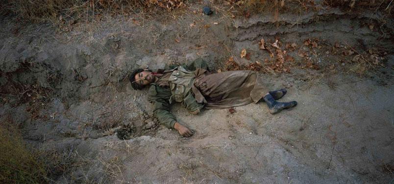 Jean-Luc Delahaye,  Taliban ,   2001, 110 x 237 cm