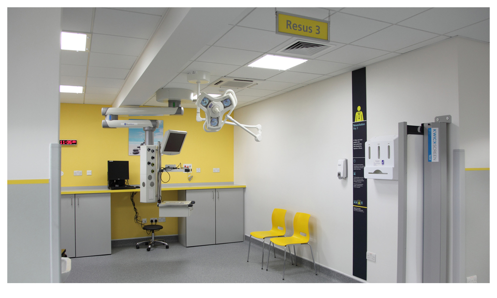 A panel installed in a resus bay. ©Simon Turner Photography