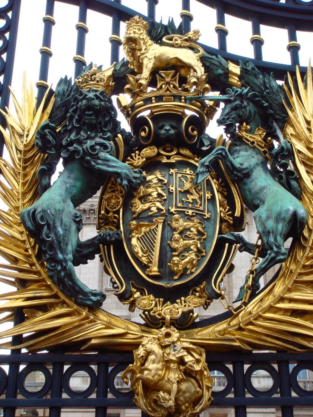 The Royal Arms on the bronze entrance gates, 1905          Bromsgrove Guild