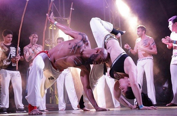 Capoeira (Image via @malandra94 on Instagram)