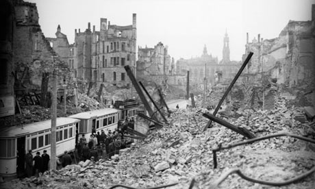 Dresden-After-the-Bombing-008.jpg