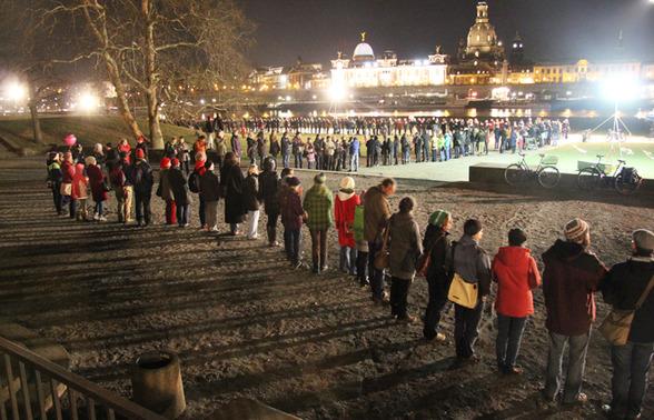 Menschenkette1.jpg