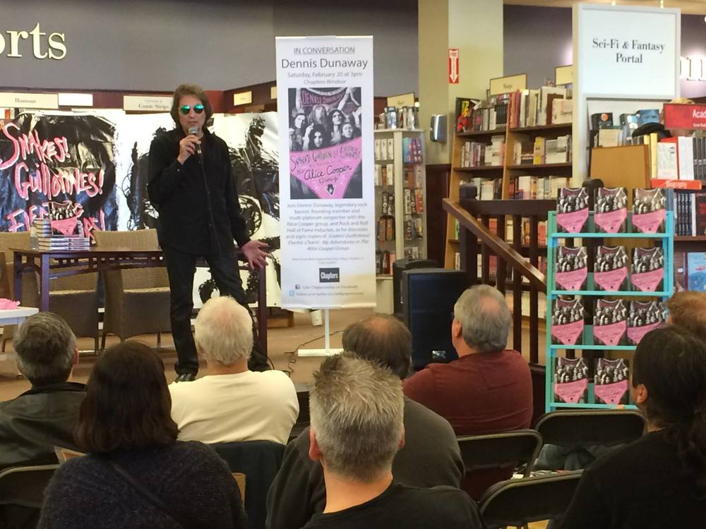 Dennis Dunaway at Chapters in Windsor, Ontario