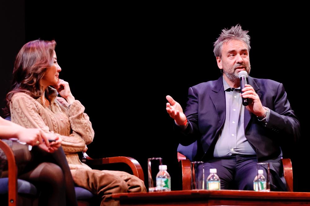 20111211_the_lady_screening_69.jpg