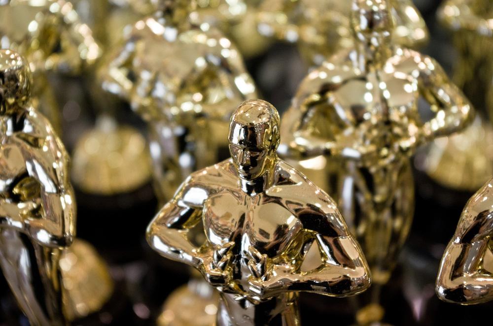 Replicas_of_Academy_Award_statuette.jpg