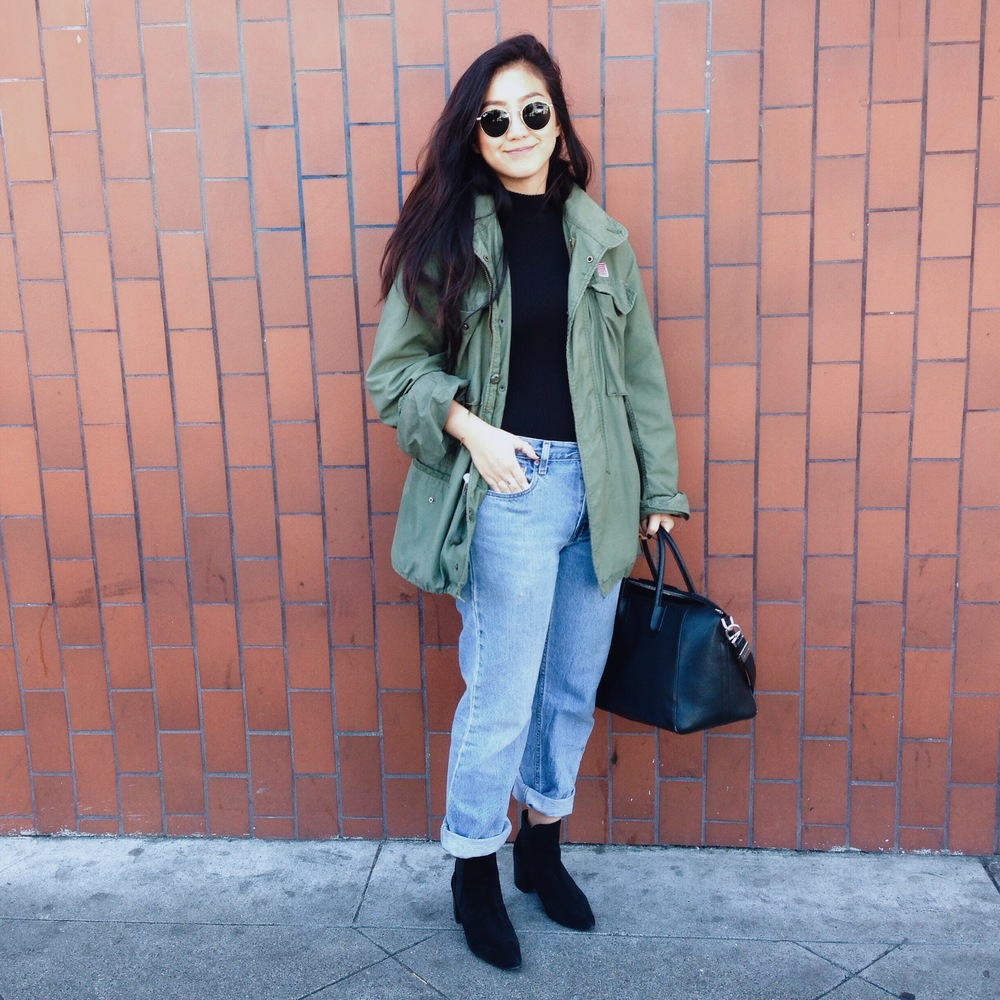 VINTAGE  military jacket  / FREE PEOPLE   mock turtleneck   / LEVI'S   boyfriend jeans   / ZARA  suede ankle boots  /  R  AY-BAN    retro-round sunglasses