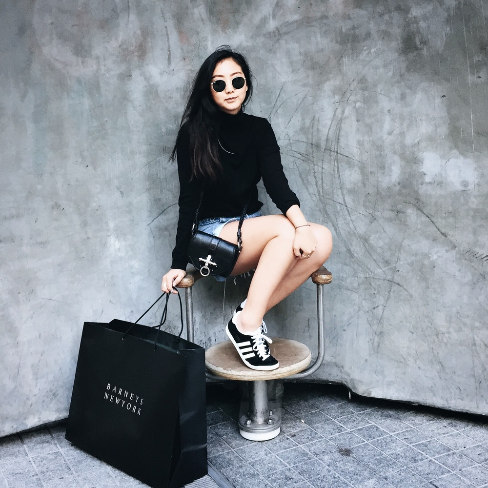 MANGO turtleneck sweater / REFORMATION cut off shorts / ADIDAS Gazelle sneakers / GIVENCHY Obsedia bag