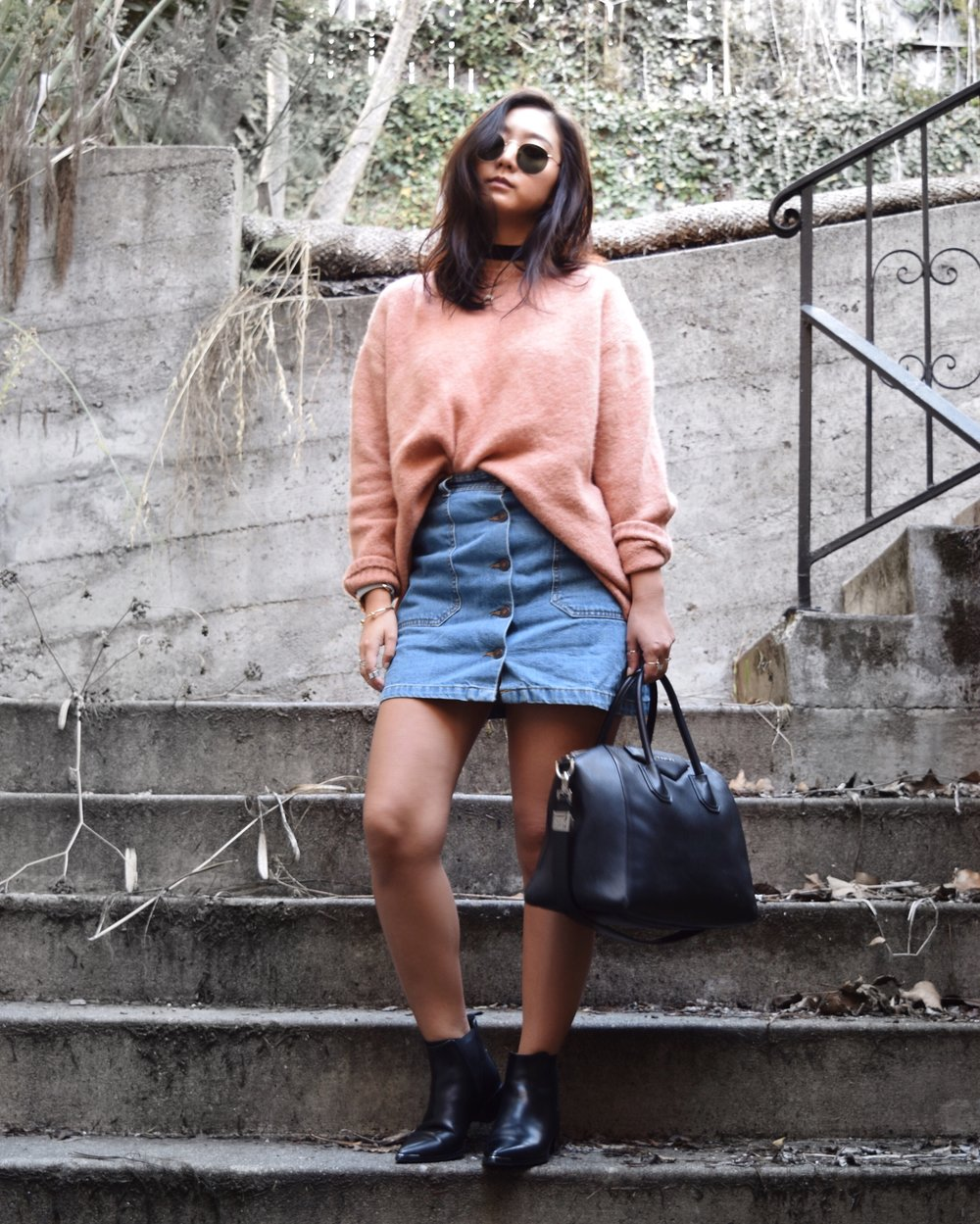 ZARA sweater / ZARA denim skirt / ACNE STUDIOS ankle boots / GIVENCHY Antigona bag / VANESSA MOONEY choker