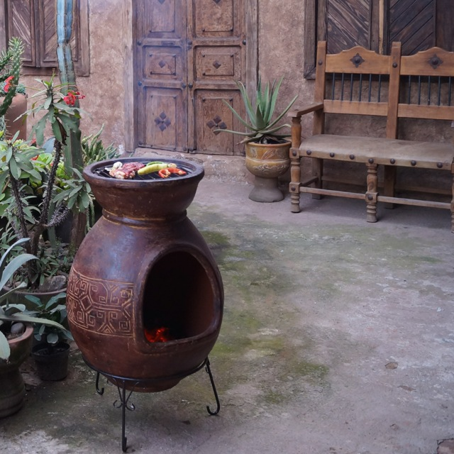 XL Jumbo Aztec BBQ in desert red - art.nr 8883RD - Check out the video and pictures below as they explain the use very well.