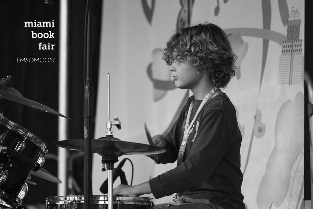 Live 1 student, Aitor performing at the Miami Book Fair | #steadybeat