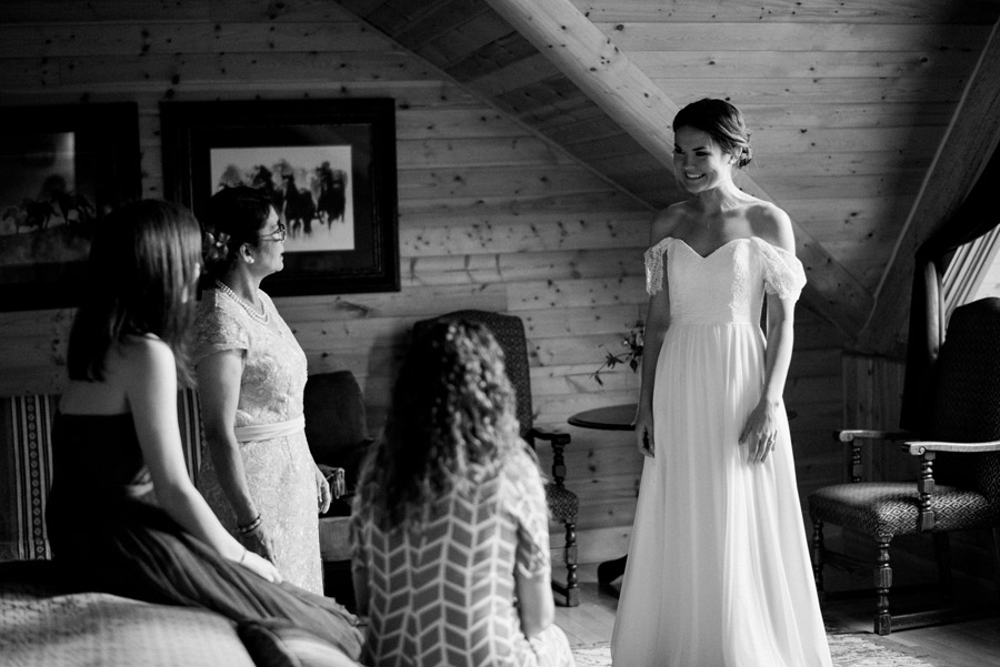 011-Calgary_Wedding_Photographers.jpg