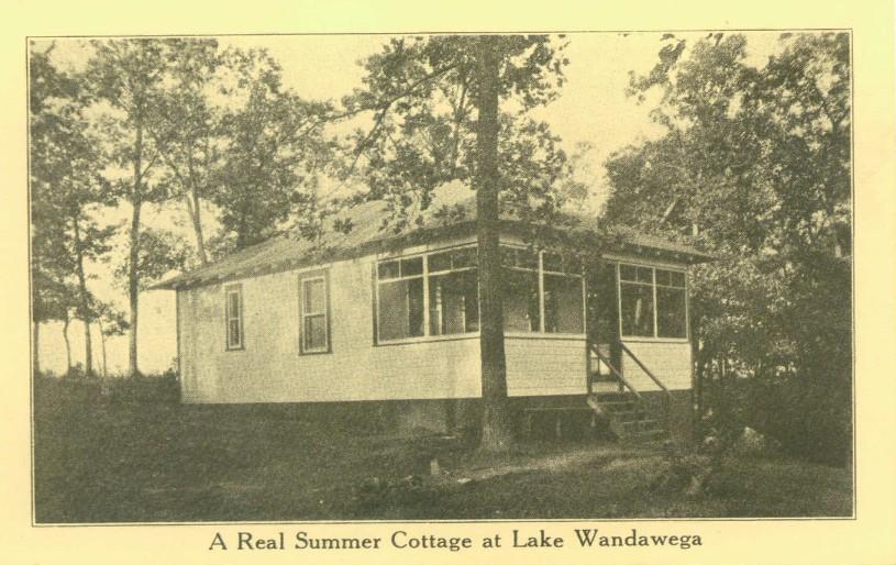 A real summer cottage at Lake Wandawega