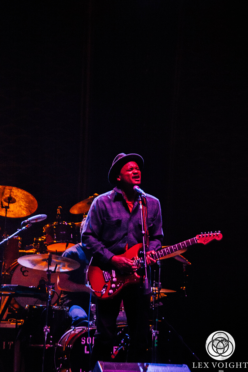 LeonBridges_TheWiltern_LexVoight-6 copy.jpg
