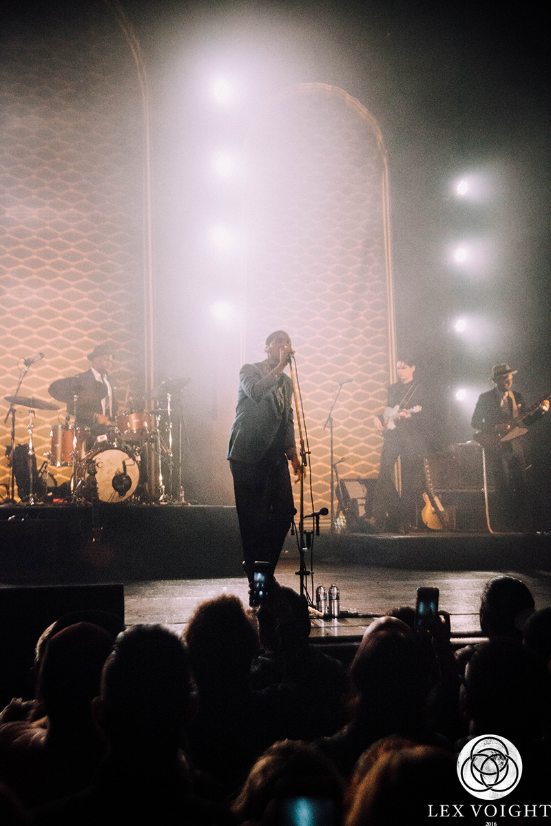 LeonBridges_TheWiltern_LexVoight-10 copy.jpg