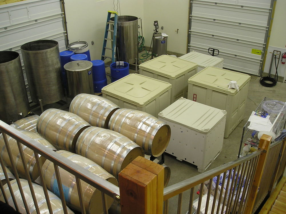 wine fermenting 2006.jpg