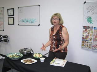 Diane explaining how she made this great salad!