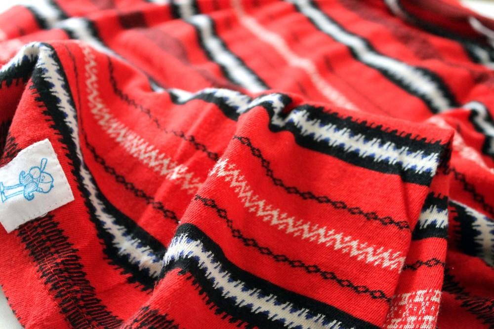 t-shirt- Character Hero jaquard weave.