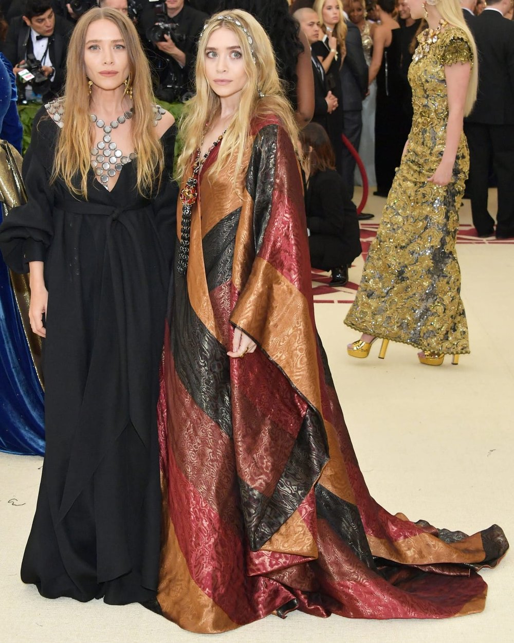 mary-kate-and-ashley-met-gala.jpg