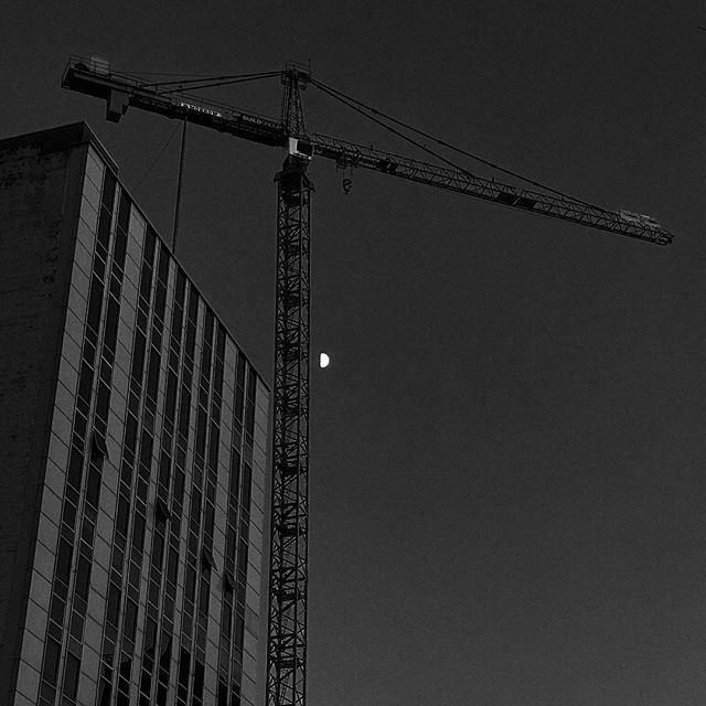 Moonshot & Crane