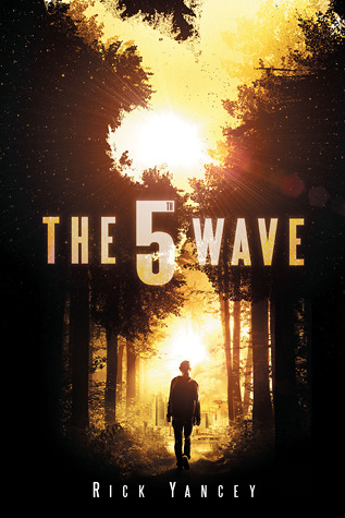 The 5th Wave by RIck Yancey | Reviewed on Clear Eyes, Full Shelves | cleareyesfullshelves.com