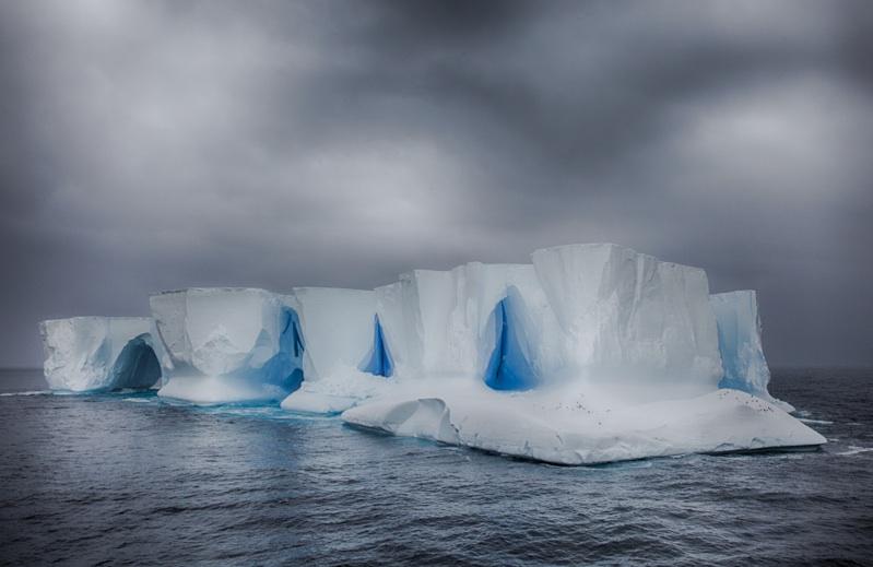 Tabular_iceberg.jpg