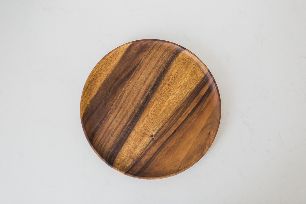 Acacia Round Charger