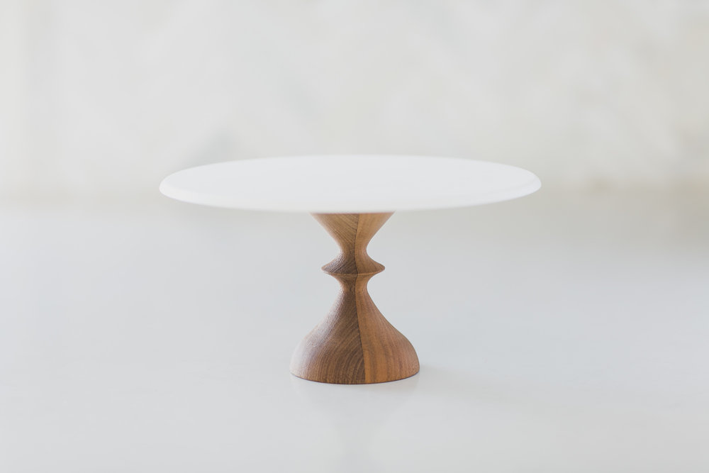 WHITE + WALKNUT CAKESTAND 10IN X 5IN
