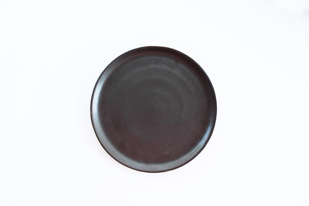 BLACK MATTE SALAD PLATE