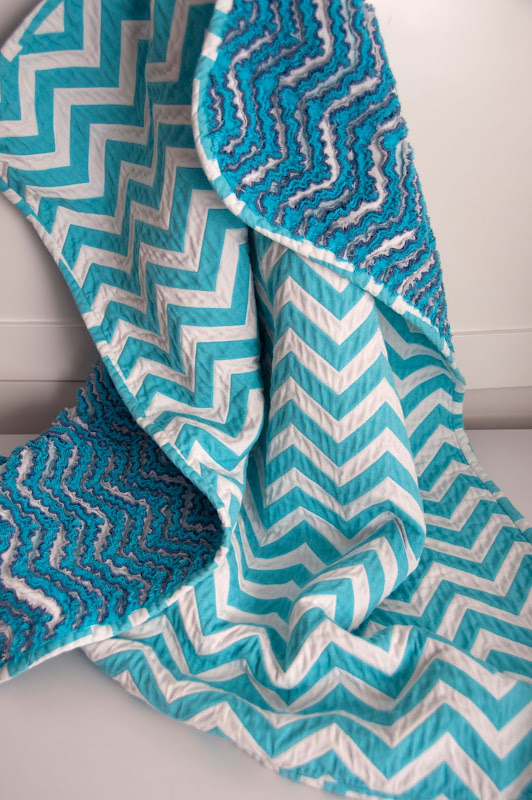 Sewing_Chevron Chenille Blanket_DSC_9317.jpg
