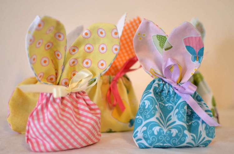 Bunny treat bags a free sewing tutorial sewcanshe free these treat bags were made with a happy ever after stacker pack from riley black it included twenty one 5 squares and i was able to make 5 treat bags negle Images
